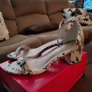 Floral chunk heels
